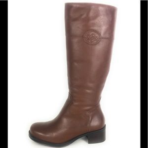 New Andre assous waterproof winter boots